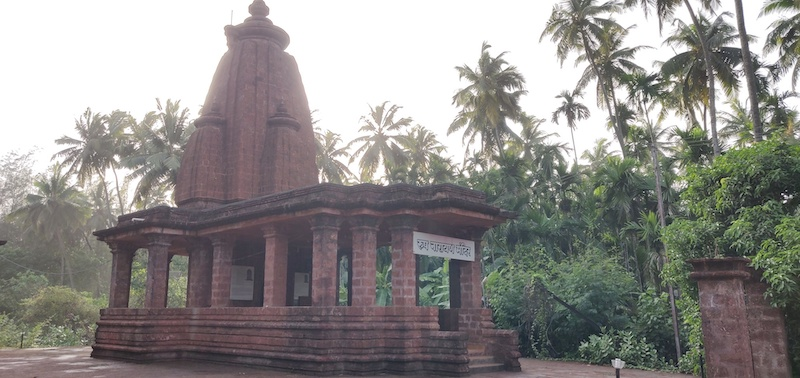 A beautiful temple on the way to the beach